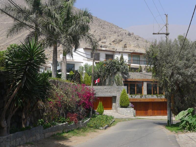 Cuatro casas modernas de los niveles en chaclacayo lima for Fotos de casas modernas en lima peru