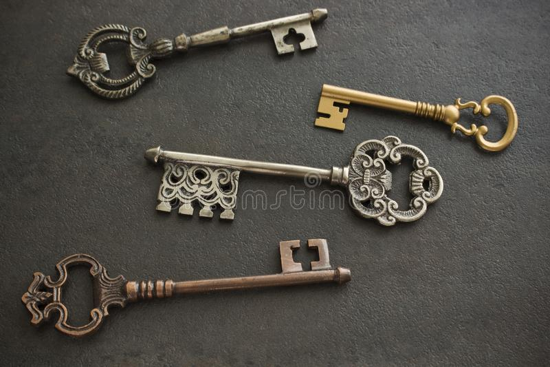 Cuatro llaves antiguas fotografía de archivo