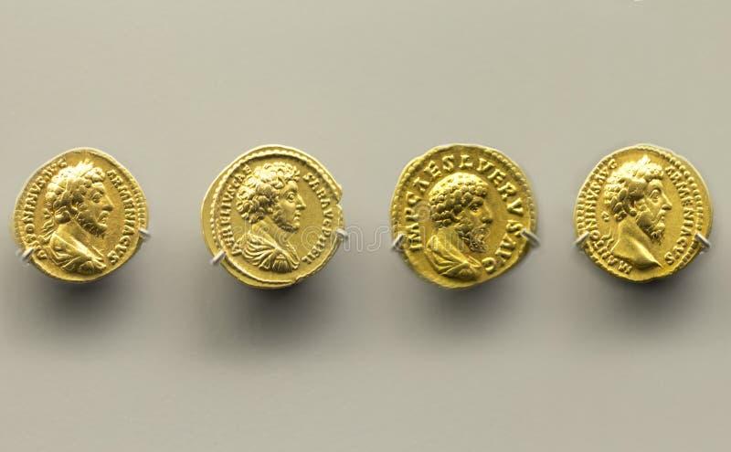 Cuatro monedas de oro de Marcus Aurelius Emperor imágenes de archivo libres de regalías