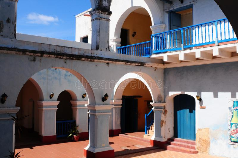 Cuba: Koloniaal huis en terras in Trinidad-Stad royalty-vrije stock afbeeldingen