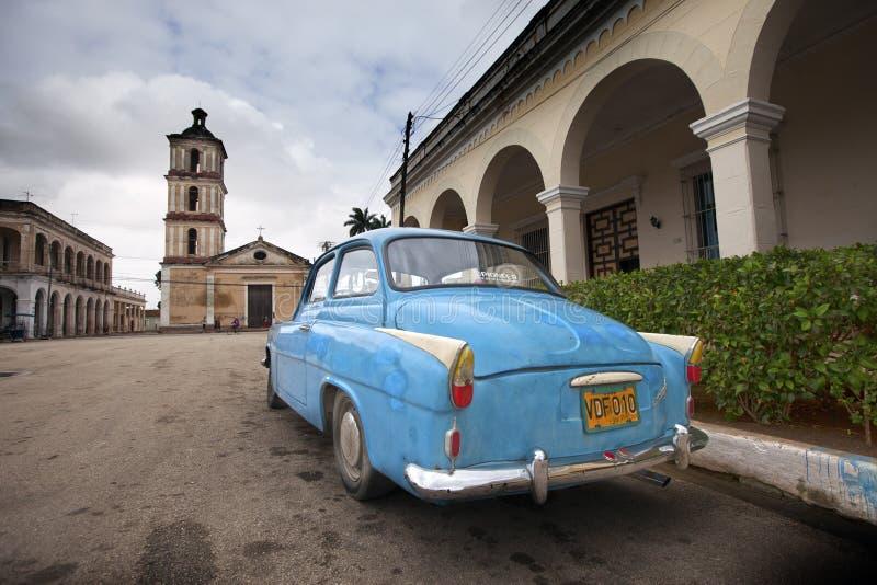 CUBA, PAP? NOEL CLARA 2 DE FEBRERO DE 2013: coche viejo en la calle fotografía de archivo