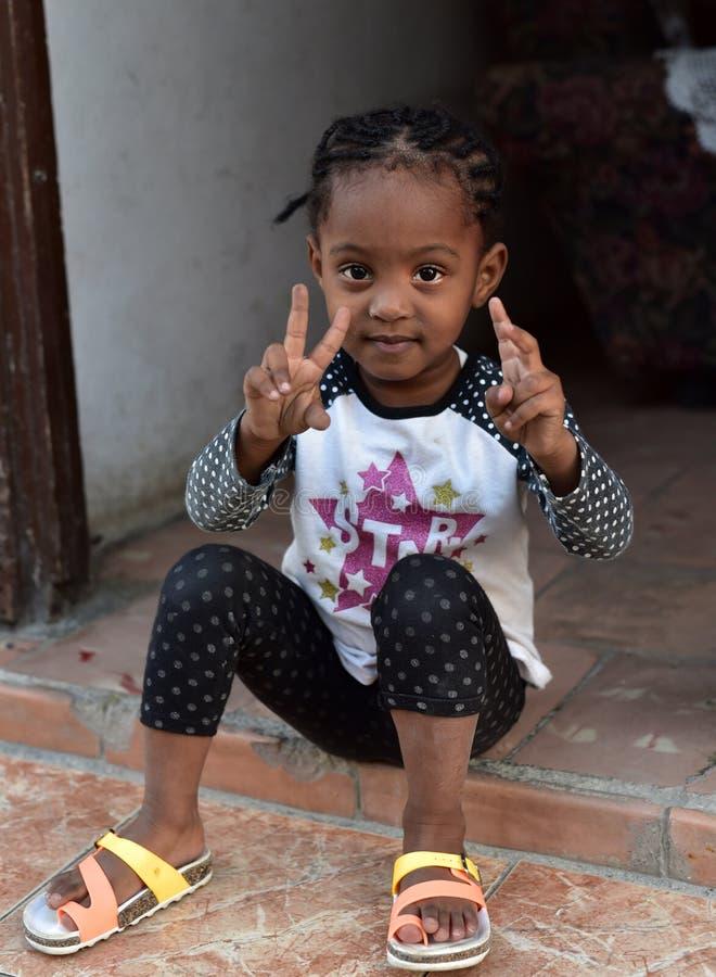 Cubaans meisjesportret royalty-vrije stock afbeelding