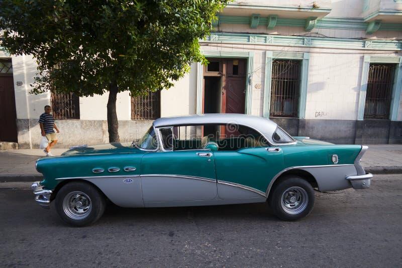 Cubaanse oude auto's stock afbeeldingen