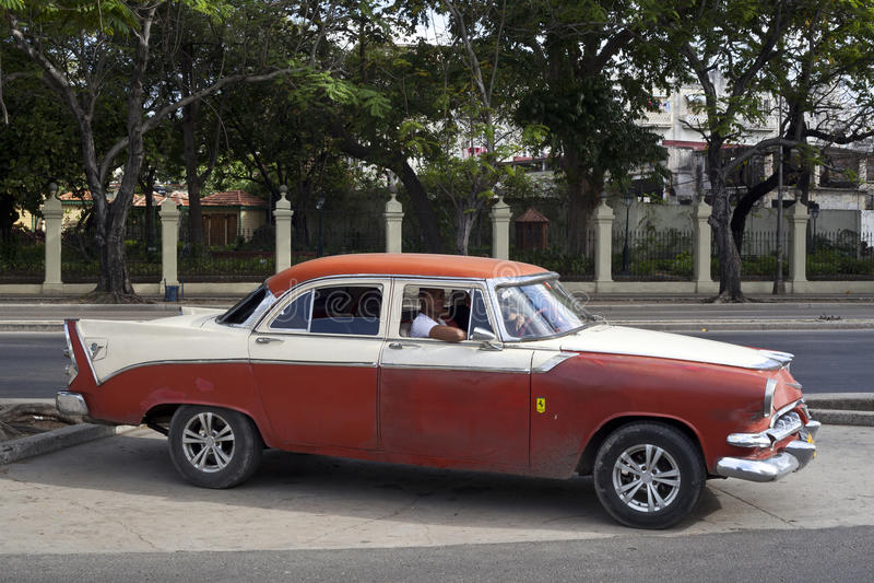 Cubaanse oude auto's stock foto