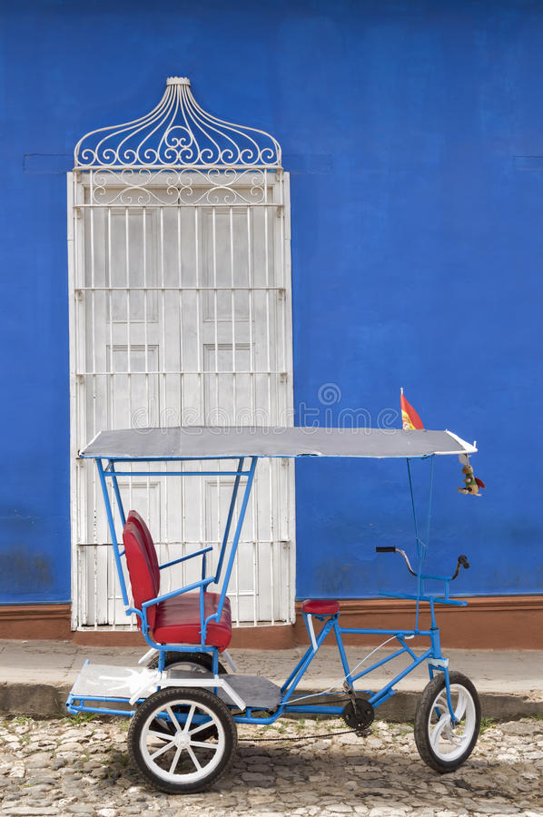 Cubaanse riksja in Trinidad royalty-vrije stock afbeeldingen