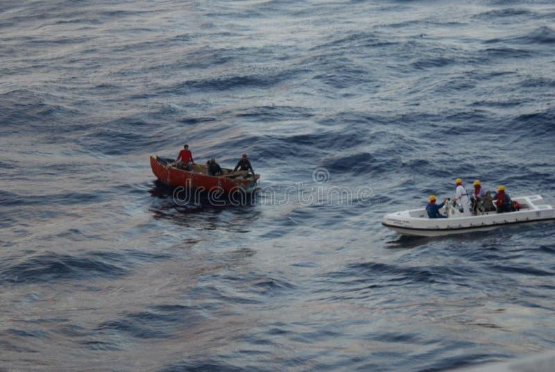 Cubaanse Vluchtelingen die worden gered royalty-vrije stock fotografie