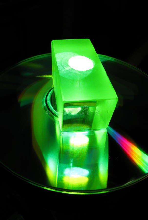 Cube en verre dans à rayon laser photos stock