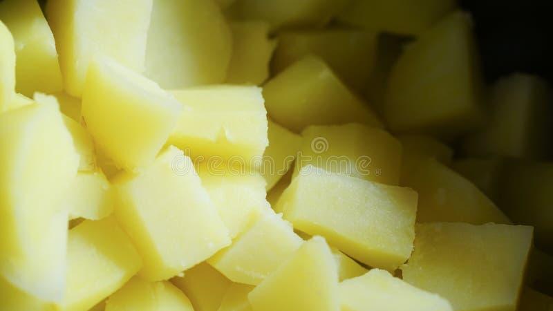 Cubed картошки сваренные и стоковые изображения