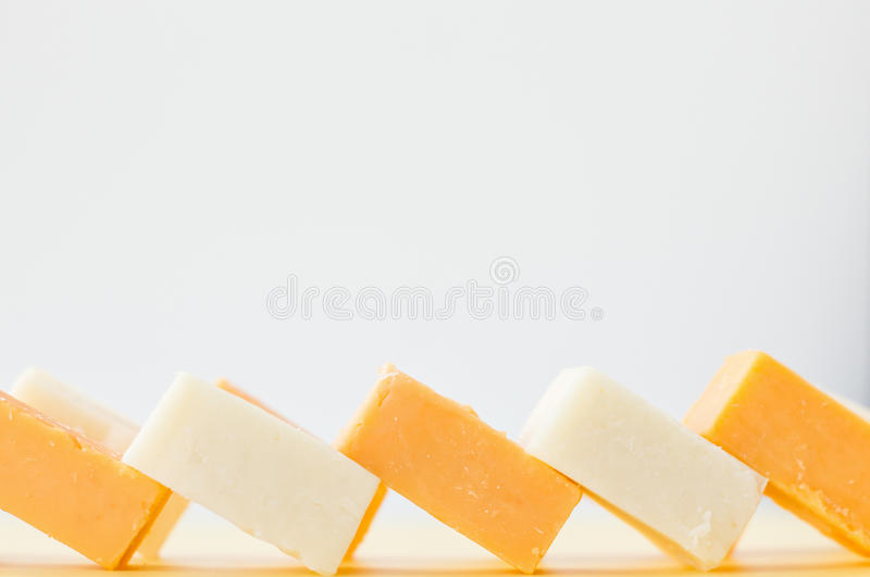 Cubed трудный сыр стоковое изображение rf