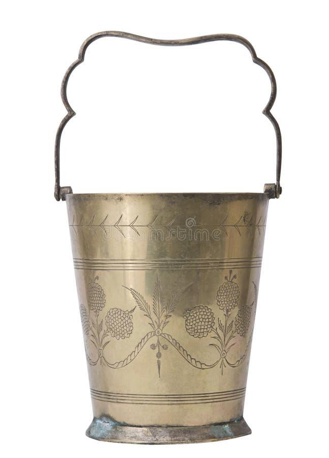 Cubeta de cobre do champanhe isolada no fundo branco fotografia de stock