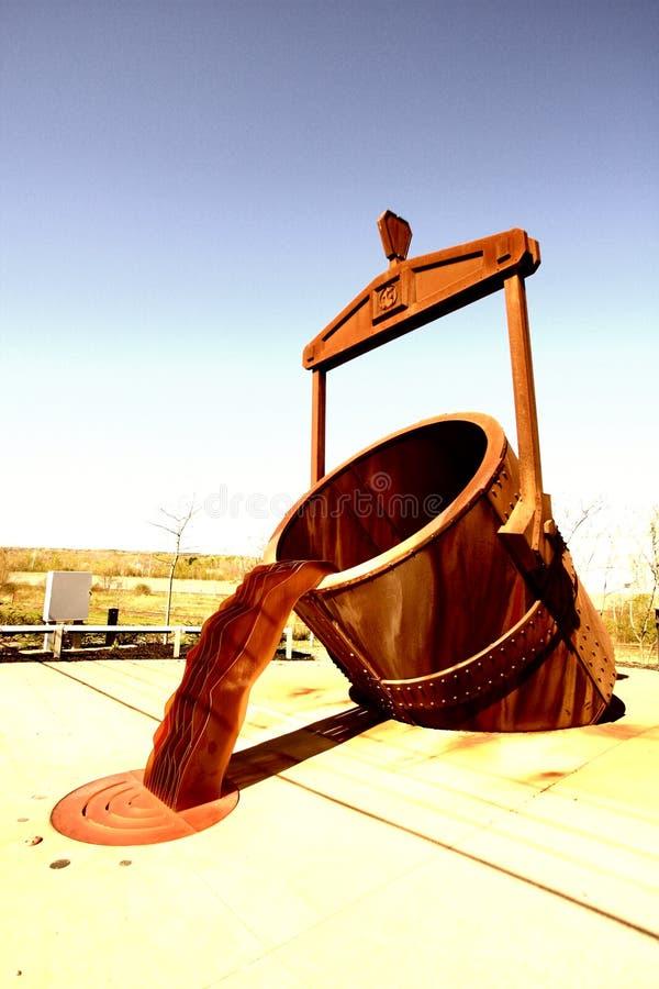 Cubeta gigante da fundição foto de stock royalty free