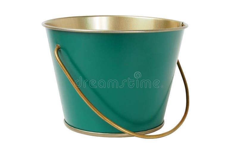 Cubeta verde no branco fotografia de stock