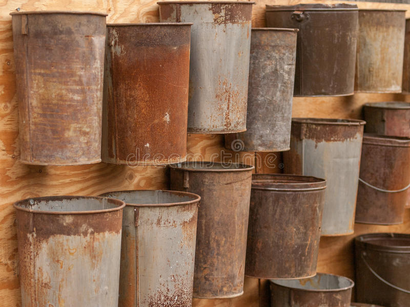 Cubetas oxidadas fotos de stock royalty free