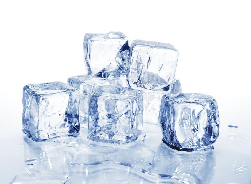 Cubi di ghiaccio 2 immagini stock