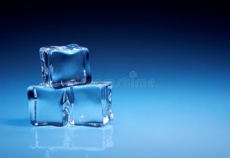 Cubi di ghiaccio immagini stock