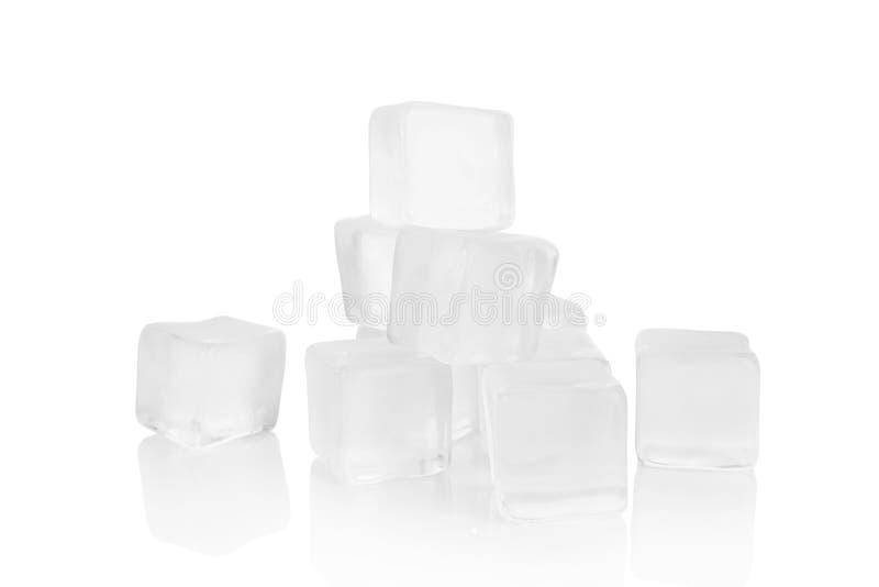 Cubi di ghiaccio in bianco immagine stock libera da diritti