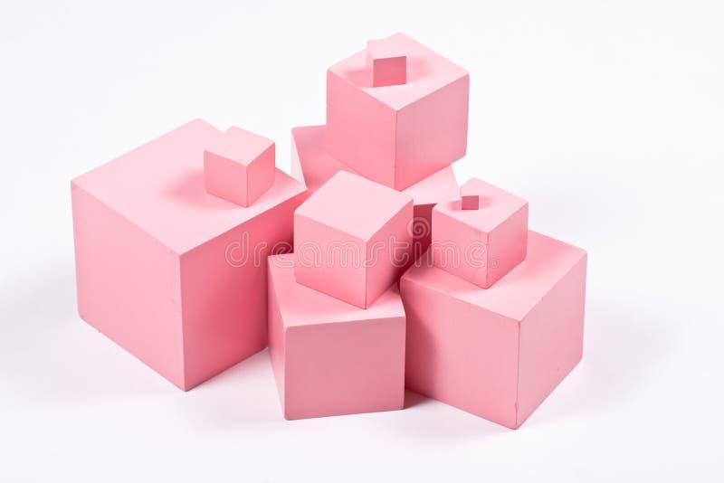 Cubi di rosa di Montessori immagine stock