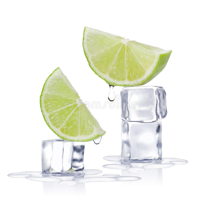 Cubi e calce di ghiaccio immagine stock libera da diritti