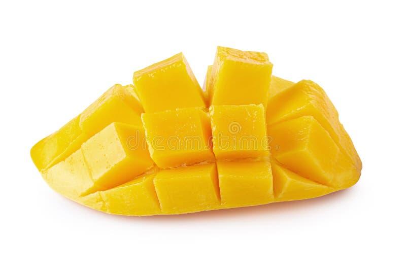 Cubi e fette del mango isolati su fondo bianco immagini stock
