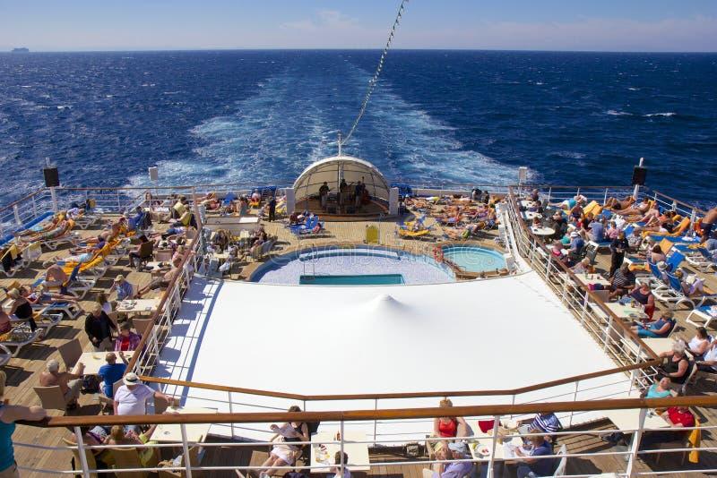 Cubierta de Lido en el barco de cruceros foto de archivo