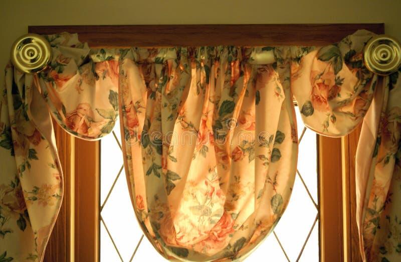 Cubierta de ventana floral imagen de archivo