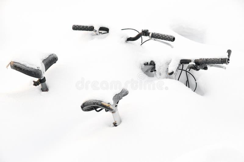 Cubierto en nieve fotos de archivo