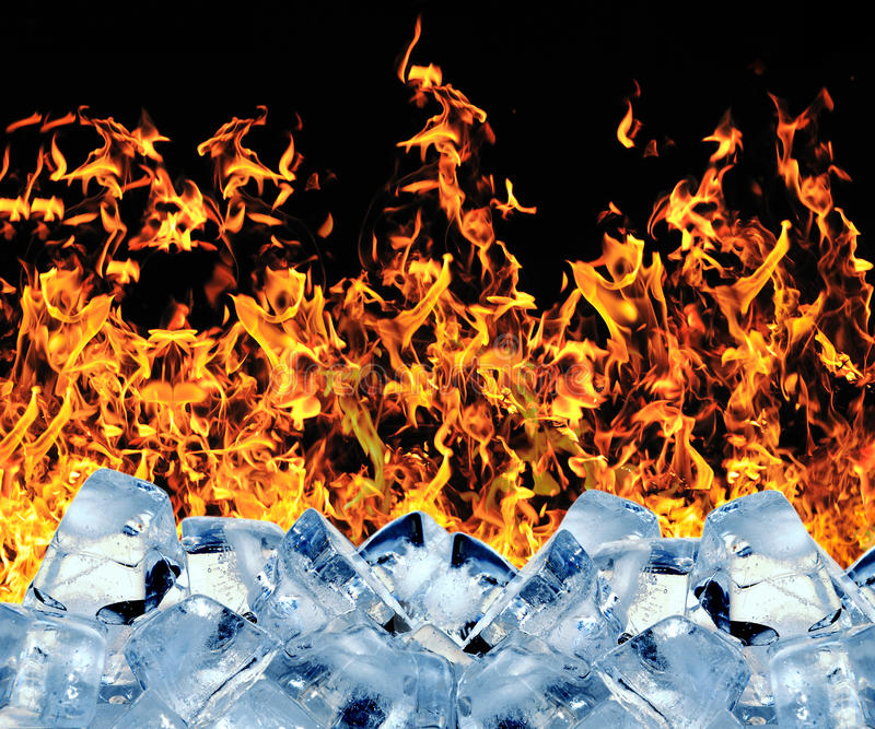 Cubo de gelo ardente fotos de stock