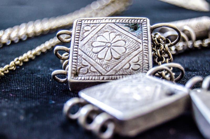 Cubo de prata antigo do close-up fotografia de stock
