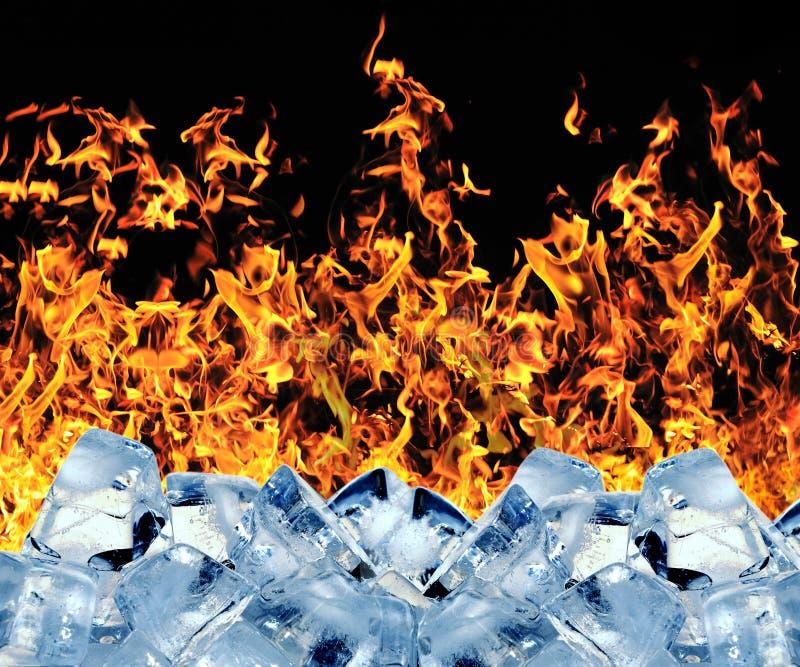 Cubo di ghiaccio Burning fotografie stock