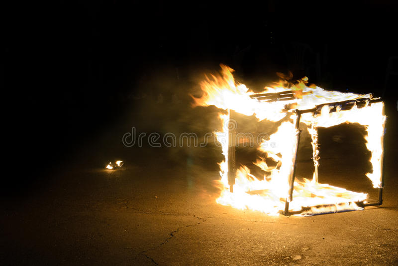 Cubo di ghiaccio Burning immagini stock libere da diritti