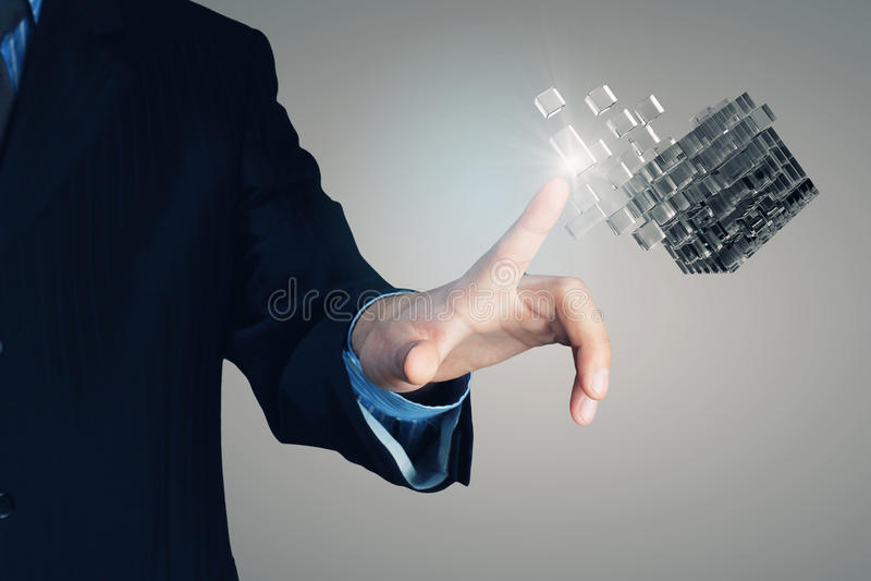 Cubo en la mano masculina Técnicas mixtas imagen de archivo