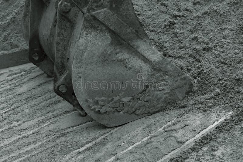 Cubo para el excavador fotos de archivo