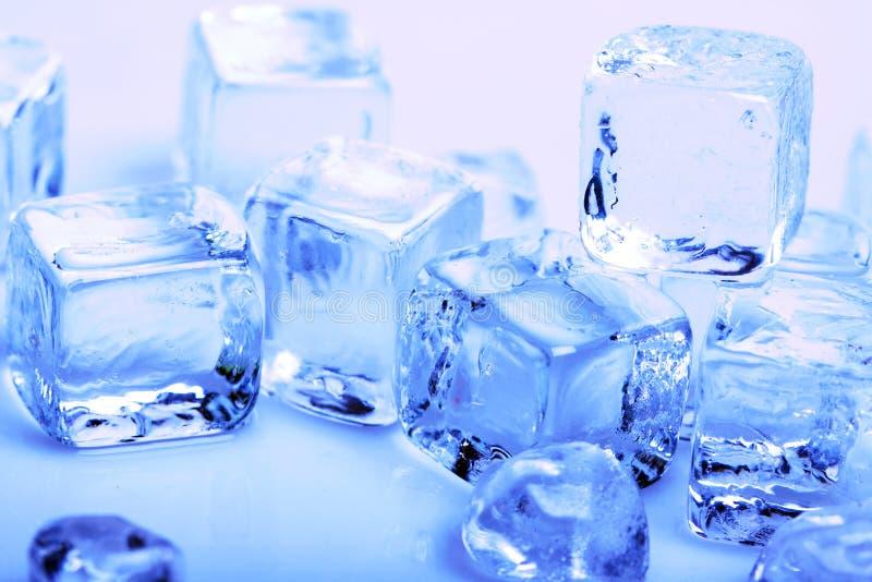 Download Cubos de gelo foto de stock. Imagem de gelado, geada - 12804108