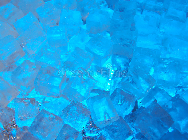Cubos de gelo azuis fotografia de stock