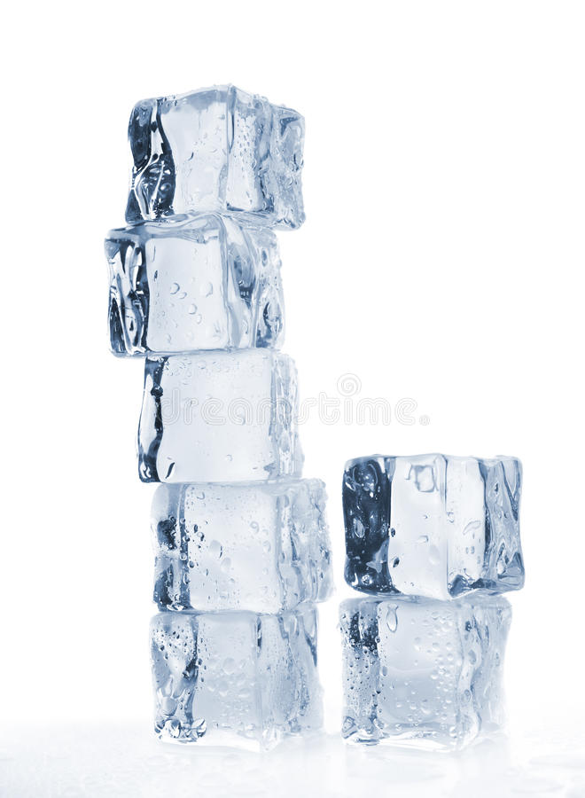 Cubos de gelo de derretimento tonificados fotos de stock royalty free