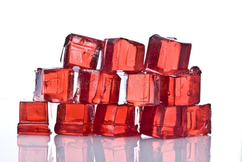 Cubos de la jalea roja fotografía de archivo