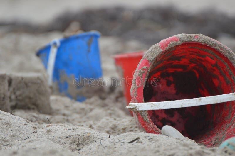 Cubos de la playa imagen de archivo libre de regalías