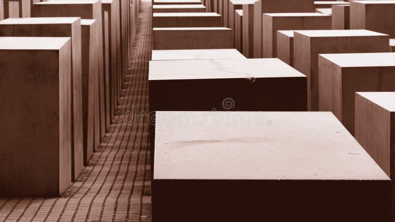 Cubos en marrón fotografía de archivo libre de regalías