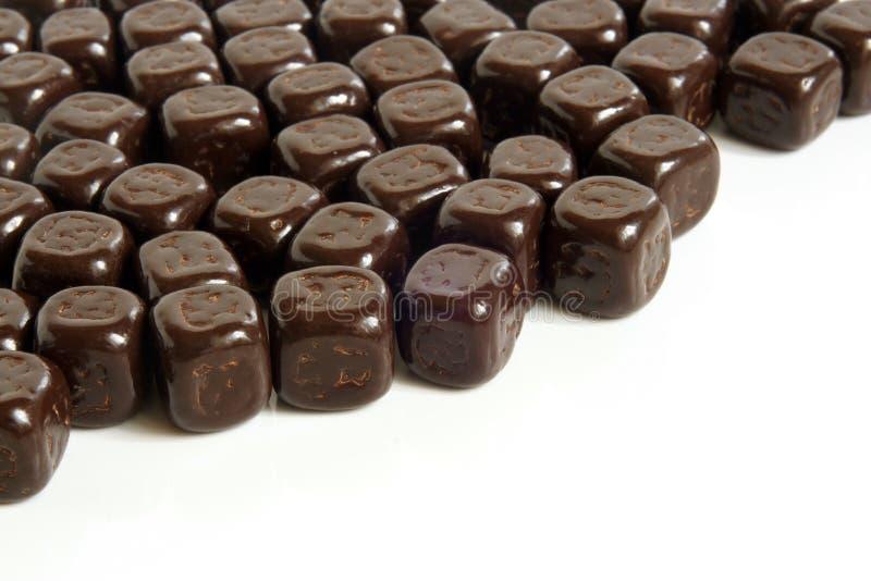 Cubos oscuros del chocolate imagen de archivo libre de regalías