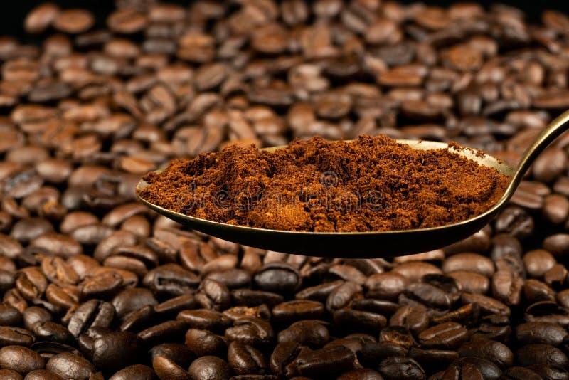 Cucchiaio con caffè immagini stock libere da diritti