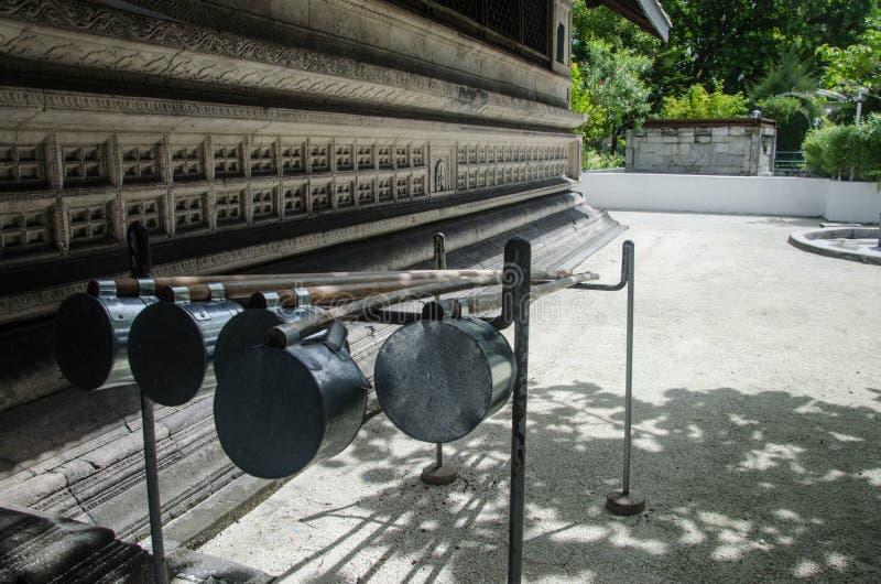 Cucharón cerca de la mezquita foto de archivo