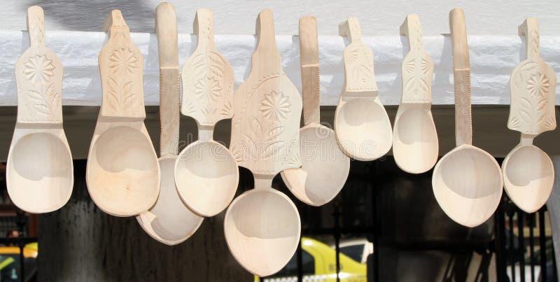 Cucharas de madera talladas imágenes de archivo libres de regalías