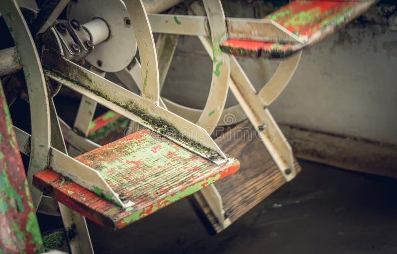 Cuchillas del molino de agua foto de archivo libre de regalías