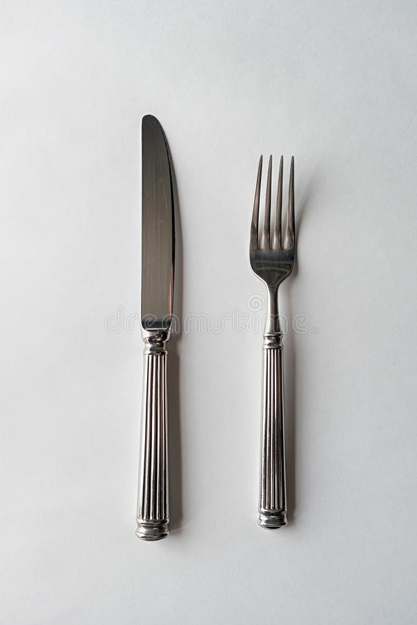 Cuchillo y cubiertos de la bifurcaci?n imagen de archivo