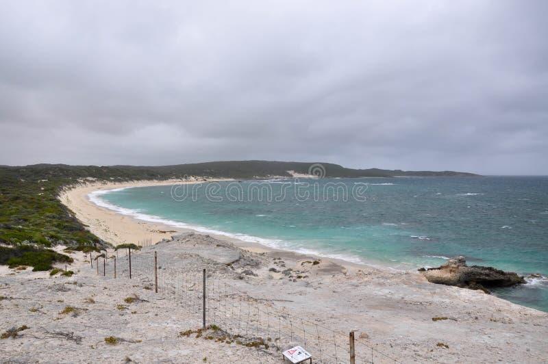 Cuchnąca zatoki plaża przy Hamelin zatoką zdjęcie stock