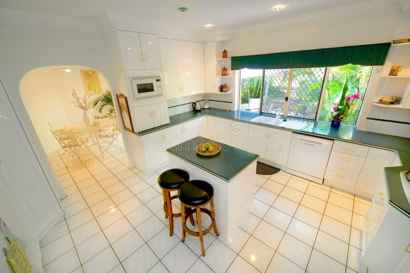 Cucina bianca immagini stock