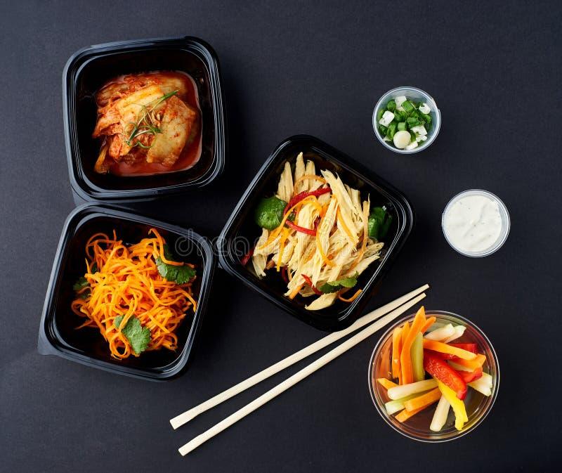 Cucina coreana Insieme delle insalate fotografie stock libere da diritti