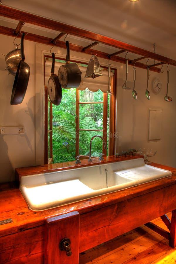 Cucina del cottage fotografia stock libera da diritti