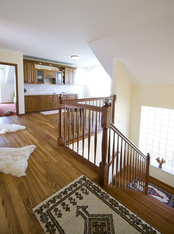Cucina del pavimento di legno duro fotografia stock
