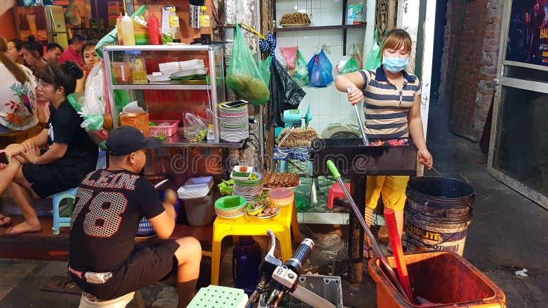 Cucina della via a Hanoi fotografia stock libera da diritti